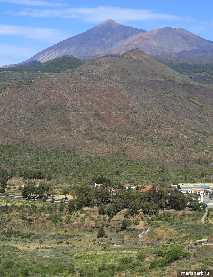 Other side of the road - volcano Teide